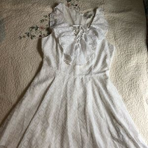 Guess dress in white